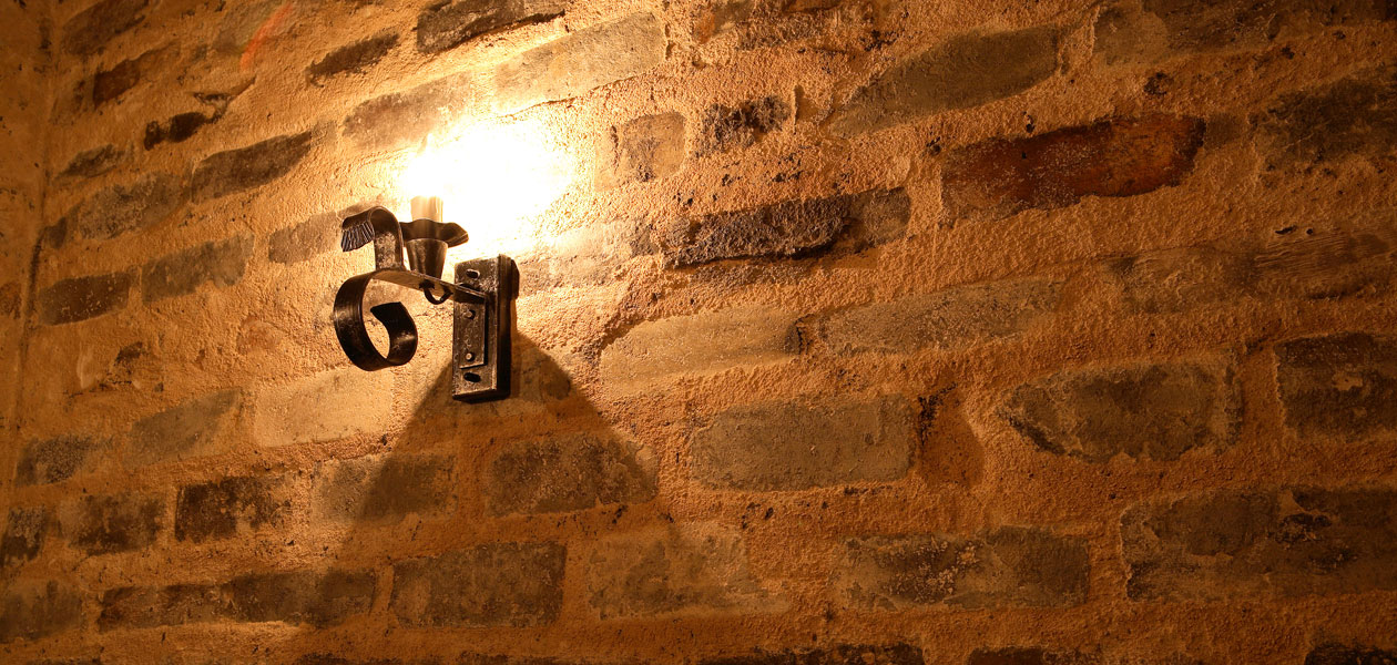 タクサム 壁とライト